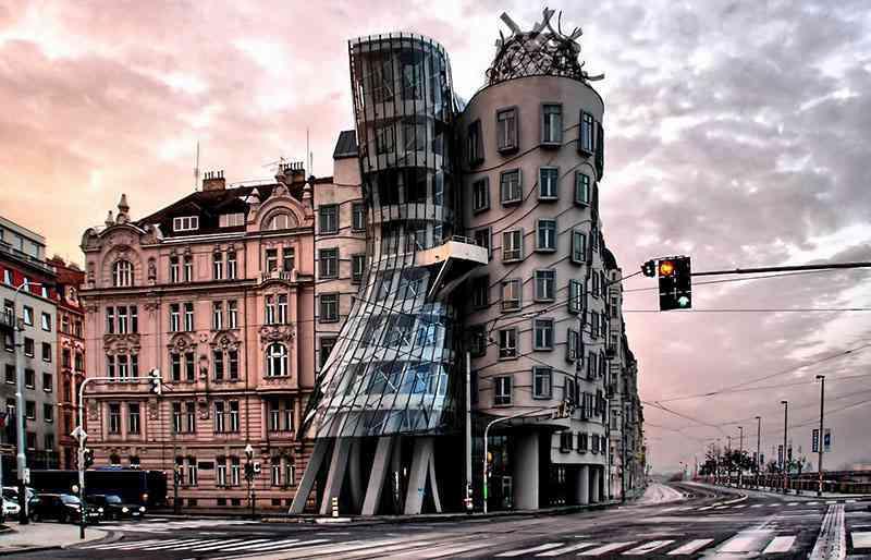 ساختمان رقصنده پراگ
